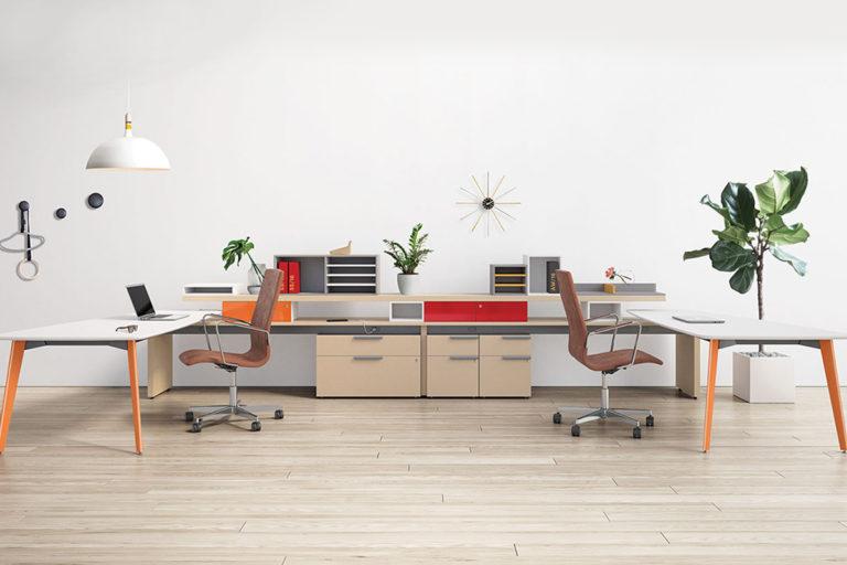 Postes de travail et bureaux ordinateur